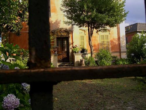 Il giardino segreto scavalchiamo il cancello ed entriamo for Giardino 3d gratis italiano