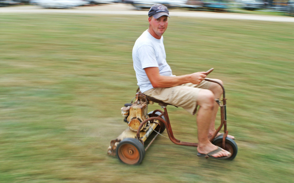 Old Lawn Mower Mark Hermes Of Hallettsville Deomstrates