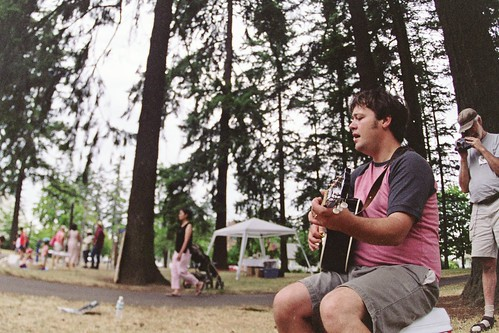 guitar player, trees, cafe au play on the road, mt. scott park | by cafemama