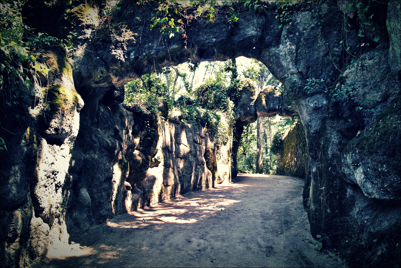 산책로-'헤갈레이라 별장(Quinta da regaleira)'
