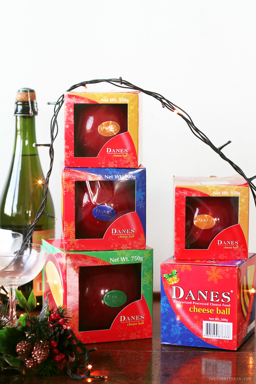 22906661959 797af82441 h - Have a sweet and savory Christmas with Danes Cheese Ball