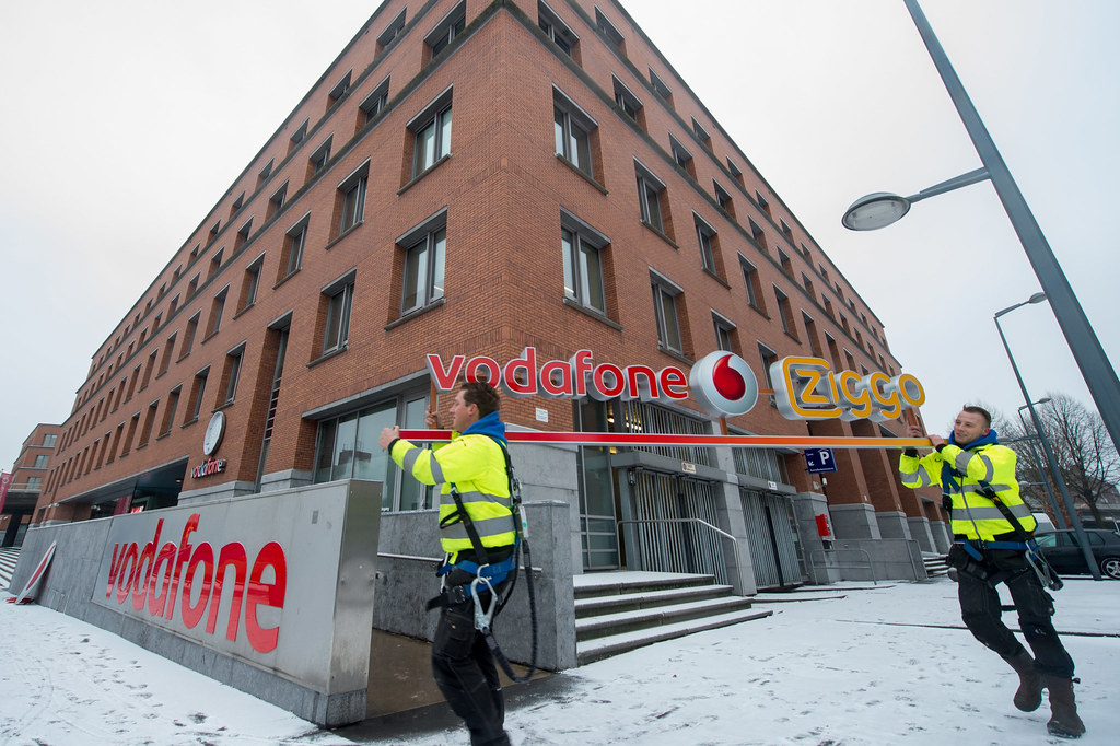 nieuwe logo Vodafone en Ziggo