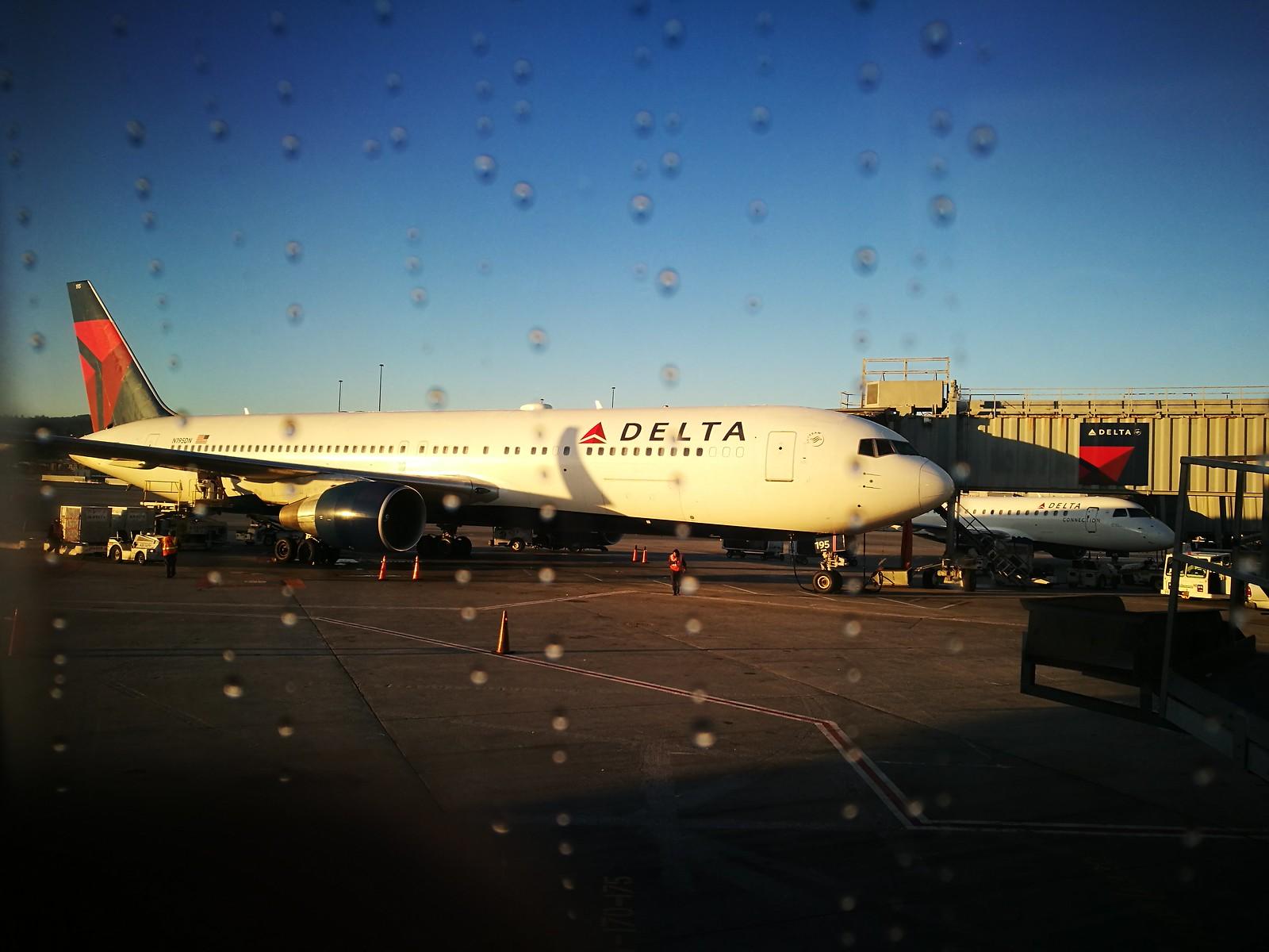 Delta 767 at SFO