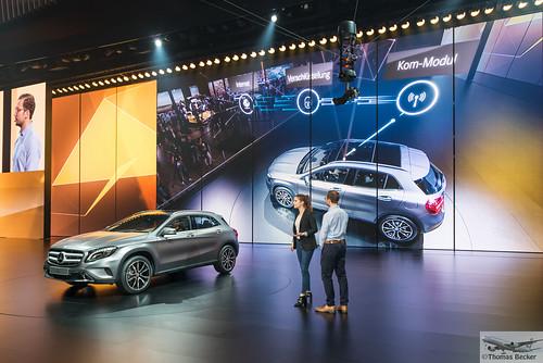 Mercedes benz presentation of latest technology 885533 for Mercedes benz latest technology