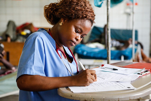 Dr Kamara gains experience at Connaught Hospital, Freetown, Sierra Leone | by DFID - UK Department for International Development