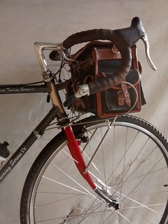Gilles Berthoud Bag, Rack, and Decaleur | by boulevard.bikes