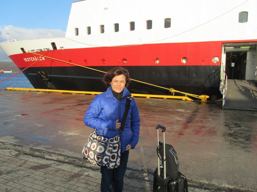 Bajando del MS Vesteralen del crucero de Hurtigruten