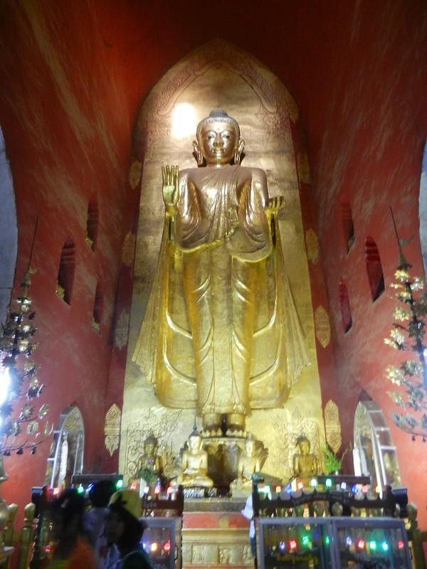 Центральный неф храма Ананда (Ananda)