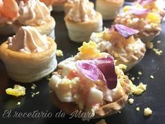 Tartaletas de surimi con gambas y salsa cóctel