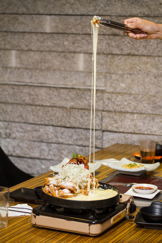 kimchi-korean-restaurant-snow-cheese-chicken-bumbuk