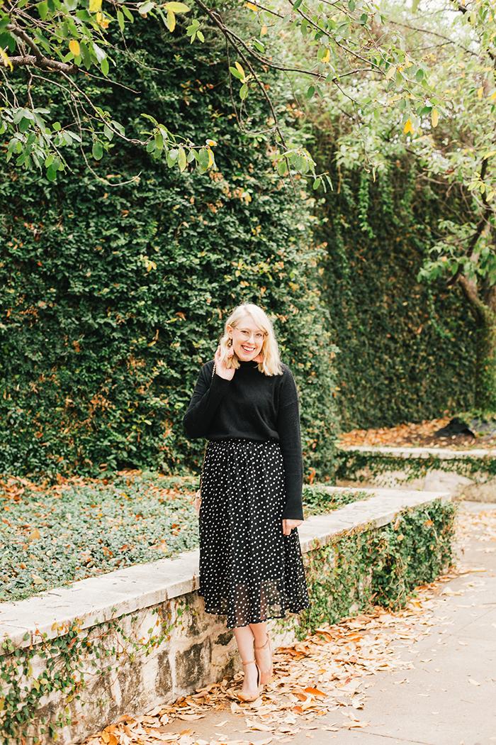 austin style blogger black turtleneck black midi skirt3