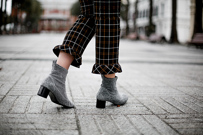 pantalones-cuadros-volante-botines-glitter-zara-look-myblueberrynightsblog2