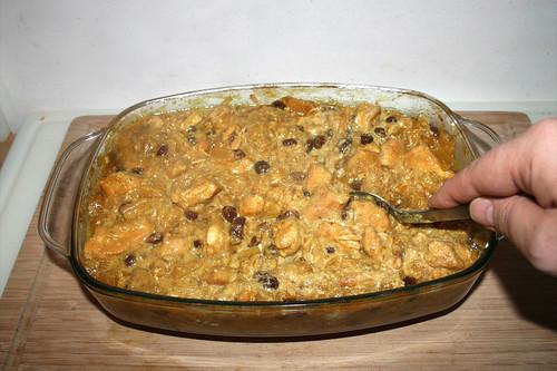 46 - Saure Sahne verrühren / Stir in sour cream