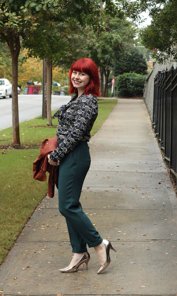 Dark Green Ankle Length Cigarette Trousers and a Patterned Navy Blue Top