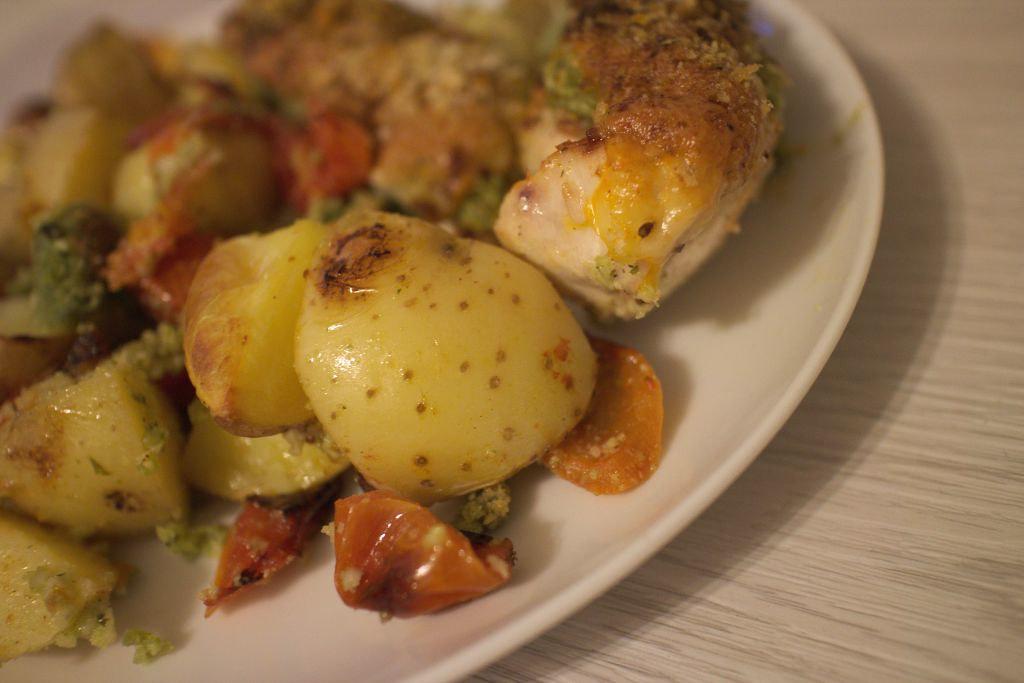 [Rezept] Hähnchenbrust mit Basilikum-Mandelcreme und Cocktailtomaten