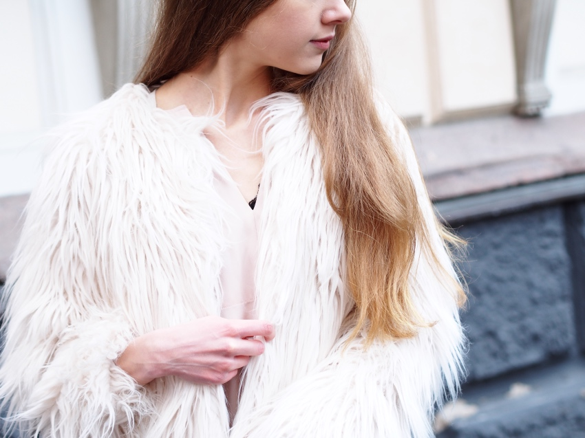 how to wear a faux fur jacket