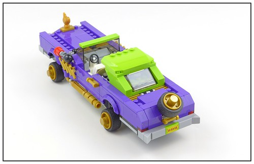 The LEGO Batman Movie 70906 The Joker Notorious Lowrider 08