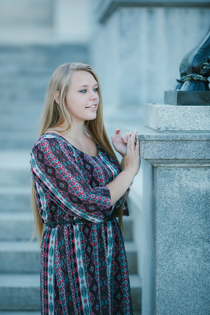 senior portrait photographer Amherst