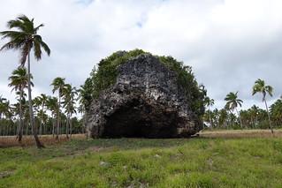 Rochedo do Tsunami, Tonga