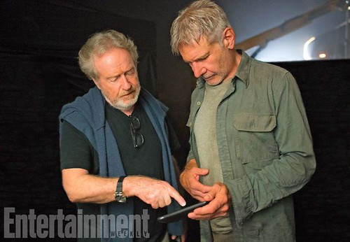 Blade Runner 2049 (2017).L-R: Ridley Scott and Harrison Ford on the set