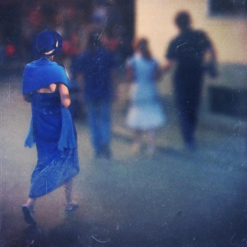 iphone3 legacy 2012: mademoiselle en bleu