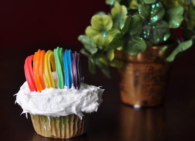 Rainbow St. Patrick's Day Cupcakes
