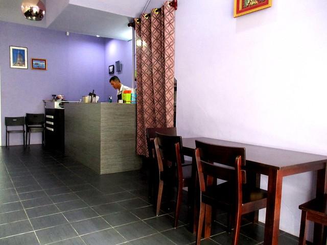 Le Cafe inside