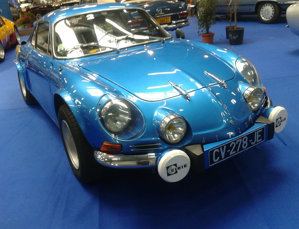 alpine a110 alpine renault a110 au salon auto de toulouse xavier wattez flickr. Black Bedroom Furniture Sets. Home Design Ideas