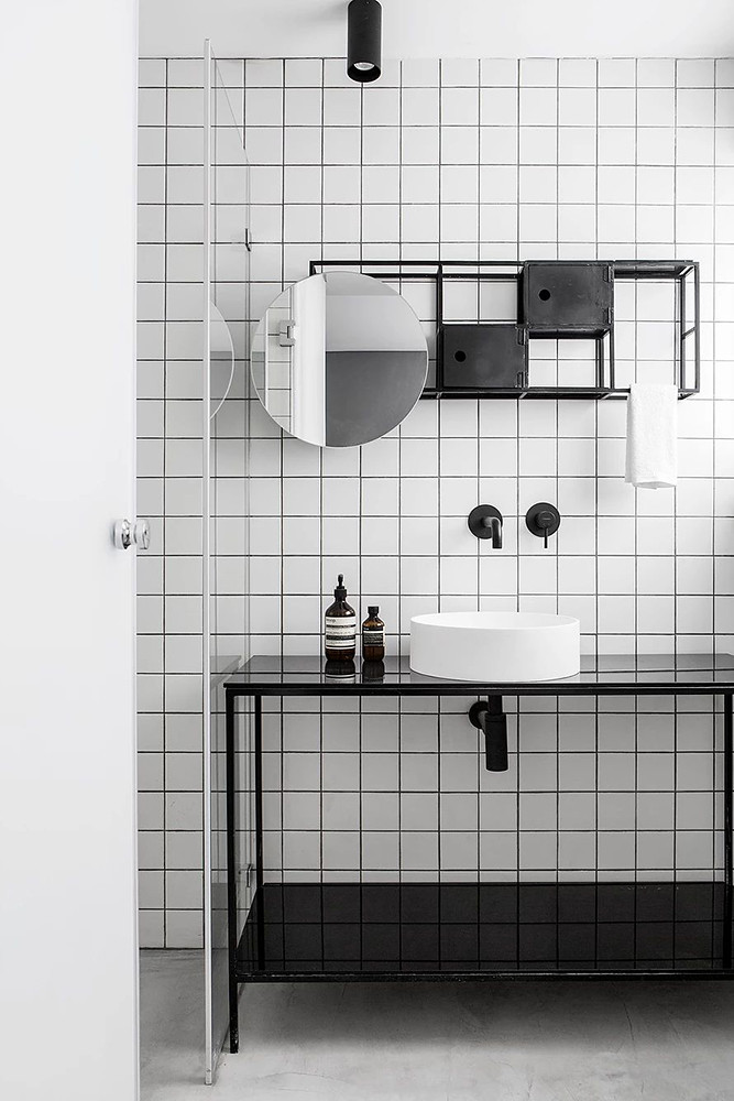 SIG black and white apartment by Yael Perry Sundeno_11