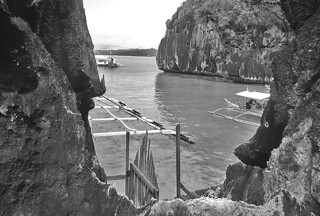 Coron - Barracuda Lake boat depot bw