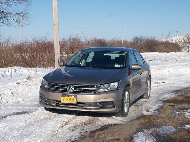 2016 Volkswagen 1.8T SE (2)