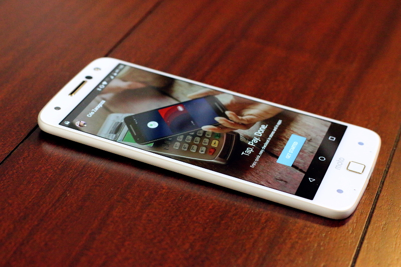 moto-z-droid-smartphone-front-4