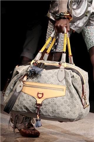 Trends first LV2010 spring and summer handbag trends