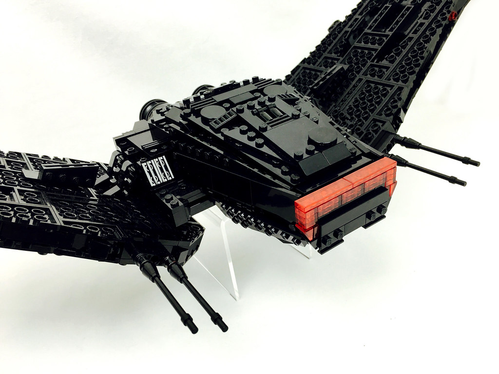 Kylo Ren's Command Shuttle | The two most obvious changes ...