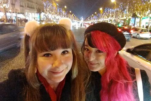 Champs-Élysées Selfie