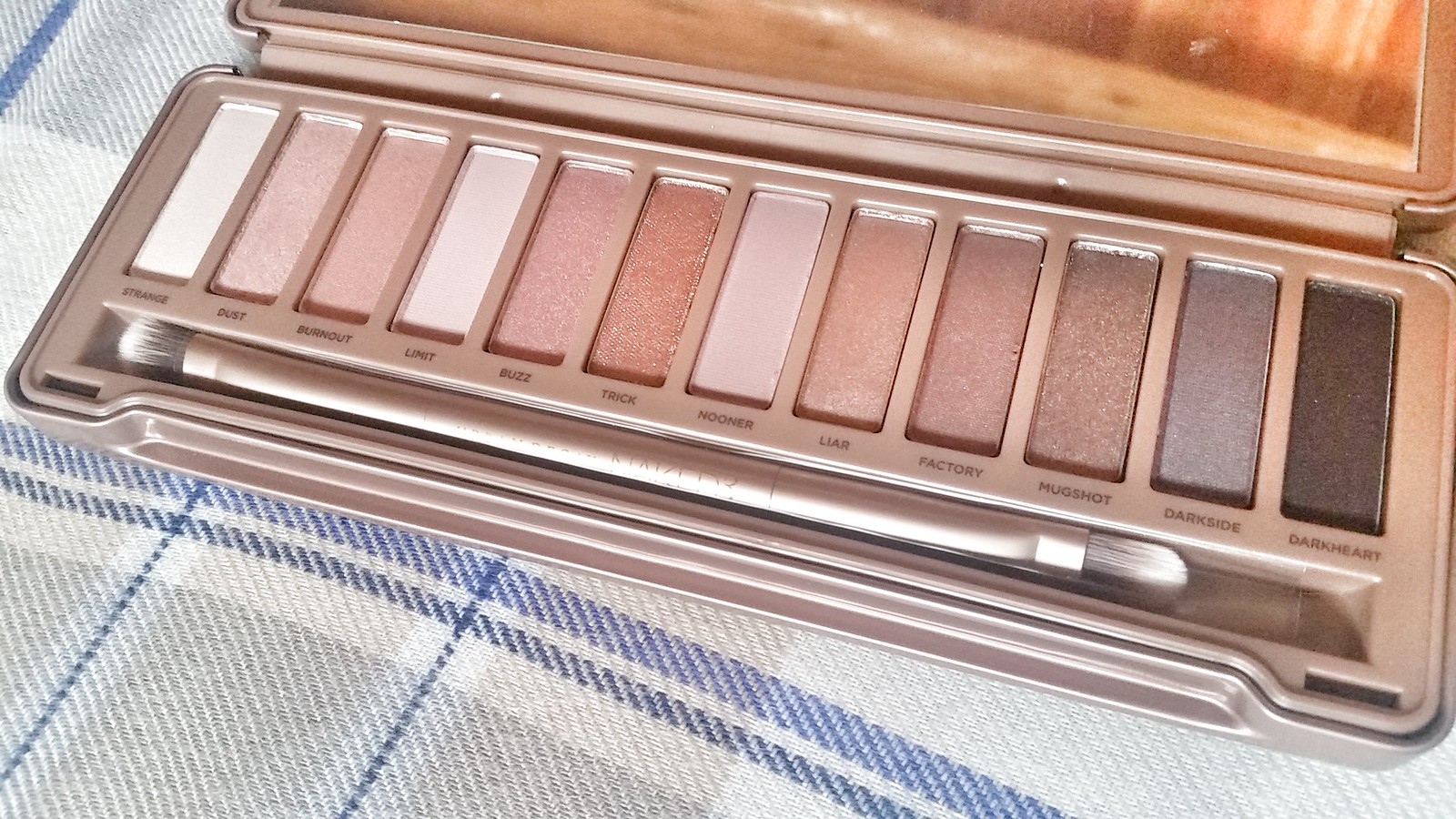 Naked3 shadows