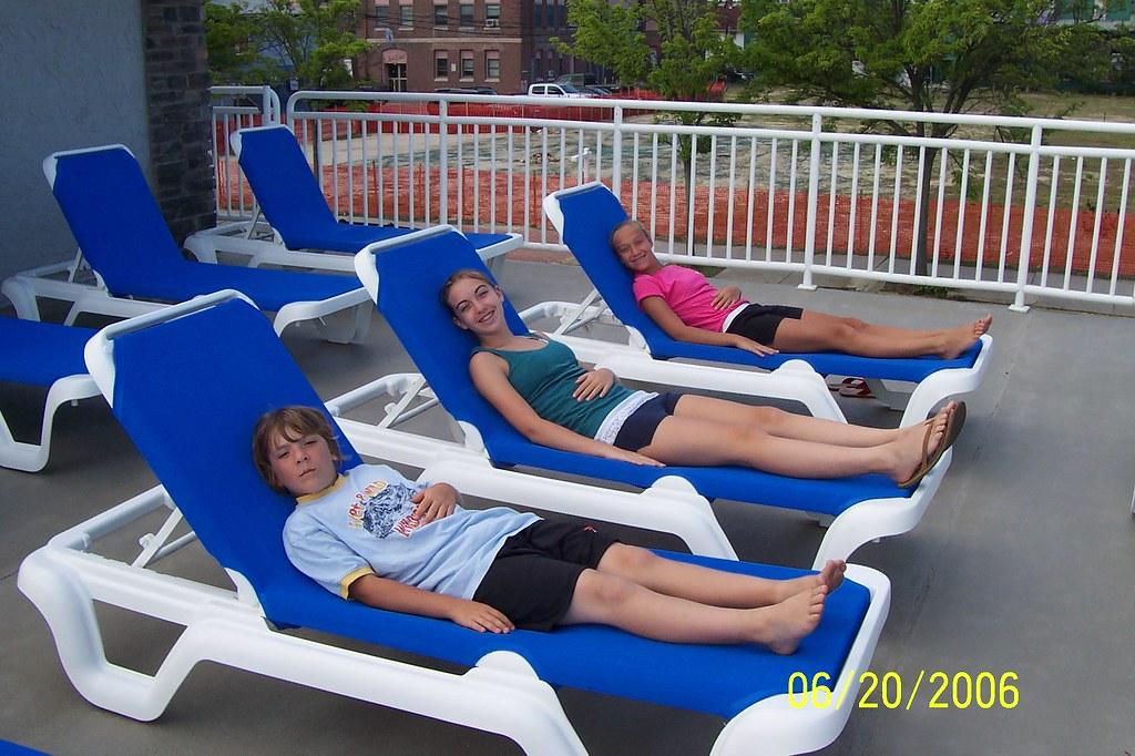 Chairs jake casey devon vail cerullo flickr for Chair 4 cliffs vail