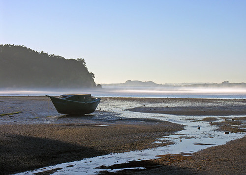 Langholm Bay, Manukau Harbour, Auckland, New Zealand, 27 June 2006 | by PhillipC