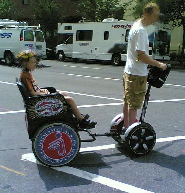 segway rickshaw - a sidewalk SUV | Segways are sidewalk ...