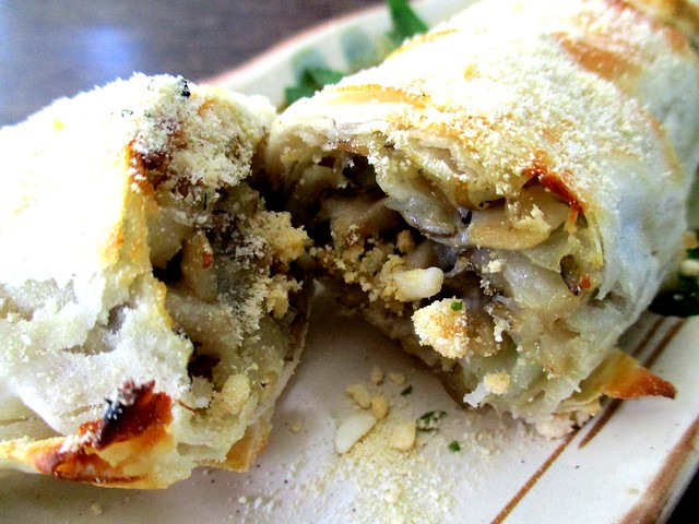 Payung Cafe mushroom roll, inside