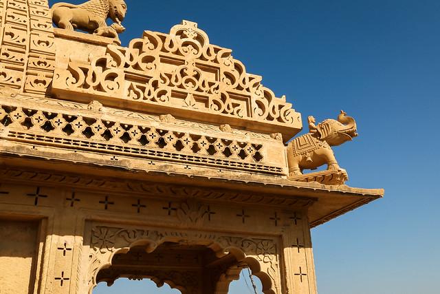Elephant decoraion in Amar Sagar Jain temple, Jaisalmer, India ジャイサルメール アマルサガルのジャイナ教寺院のゾウの装飾