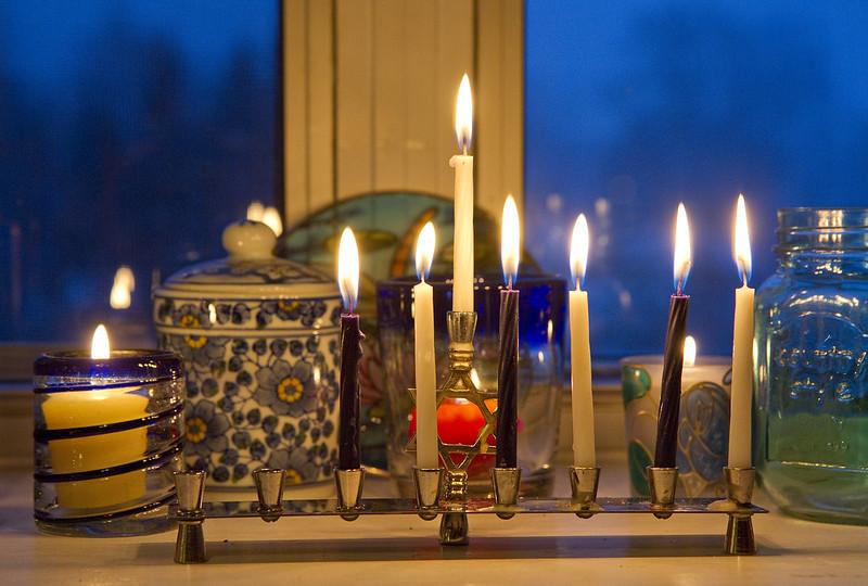 Hanukkah sixth night 2016-4