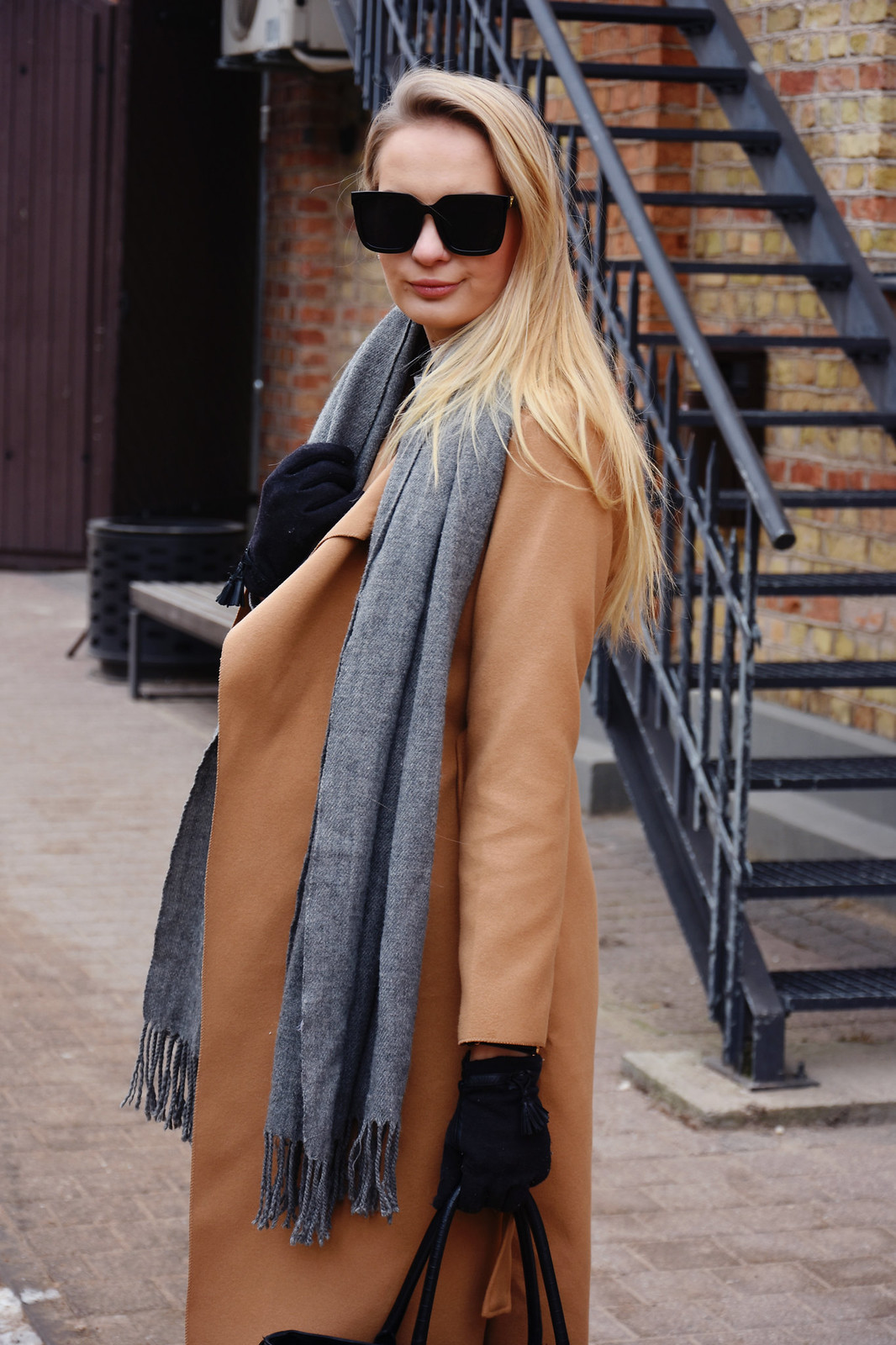 Camel coat winter outfit
