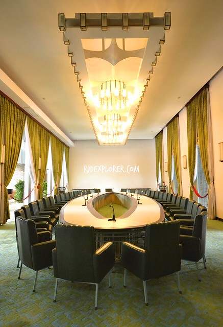 ho chi minh city independence palace cabinet room