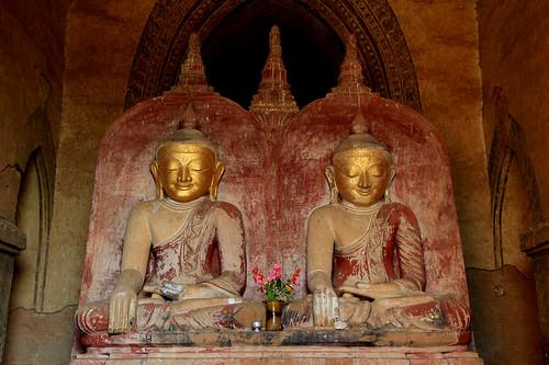 Buddha statues, Bagan