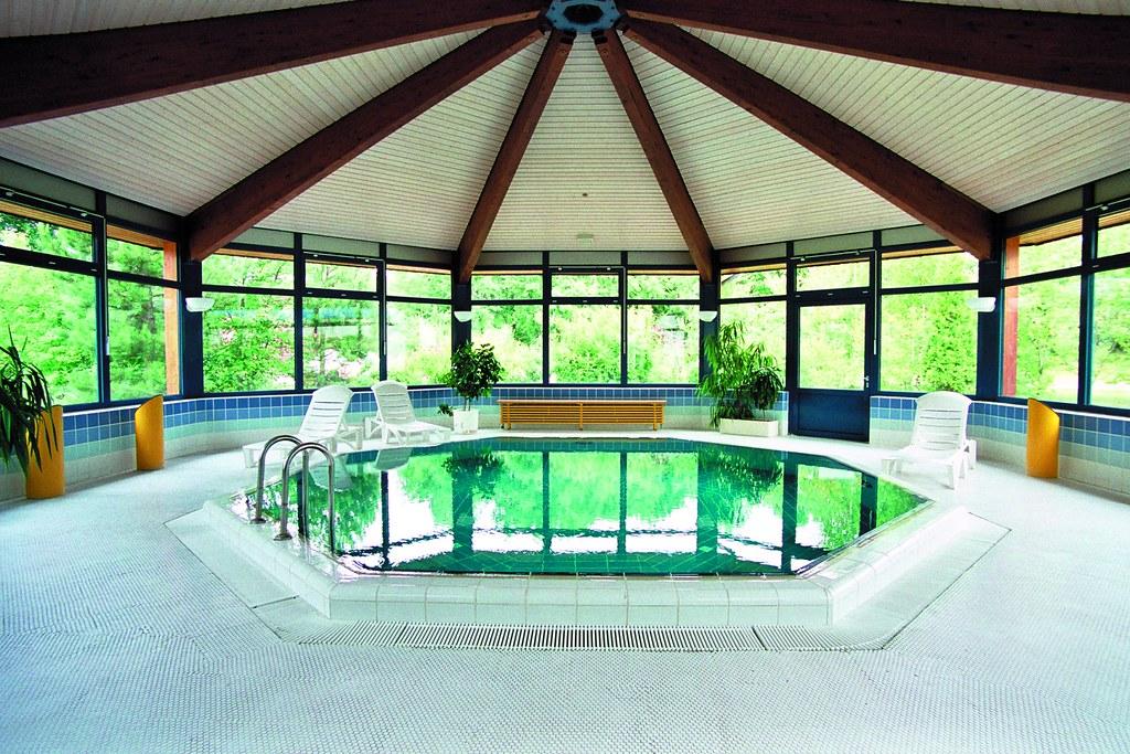 schwimmbad pool 5x5 m mit gegenstromanlage landhotel schnuck flickr. Black Bedroom Furniture Sets. Home Design Ideas