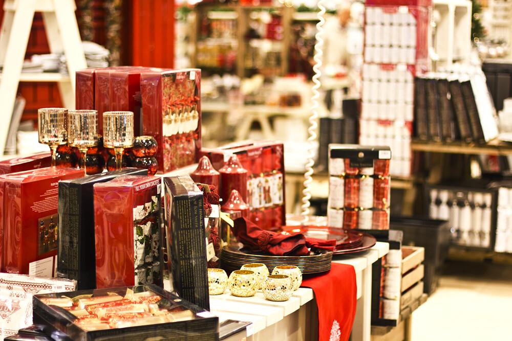 kingston christmas bentalls decoration laila tapeparade kingston-upon-thames