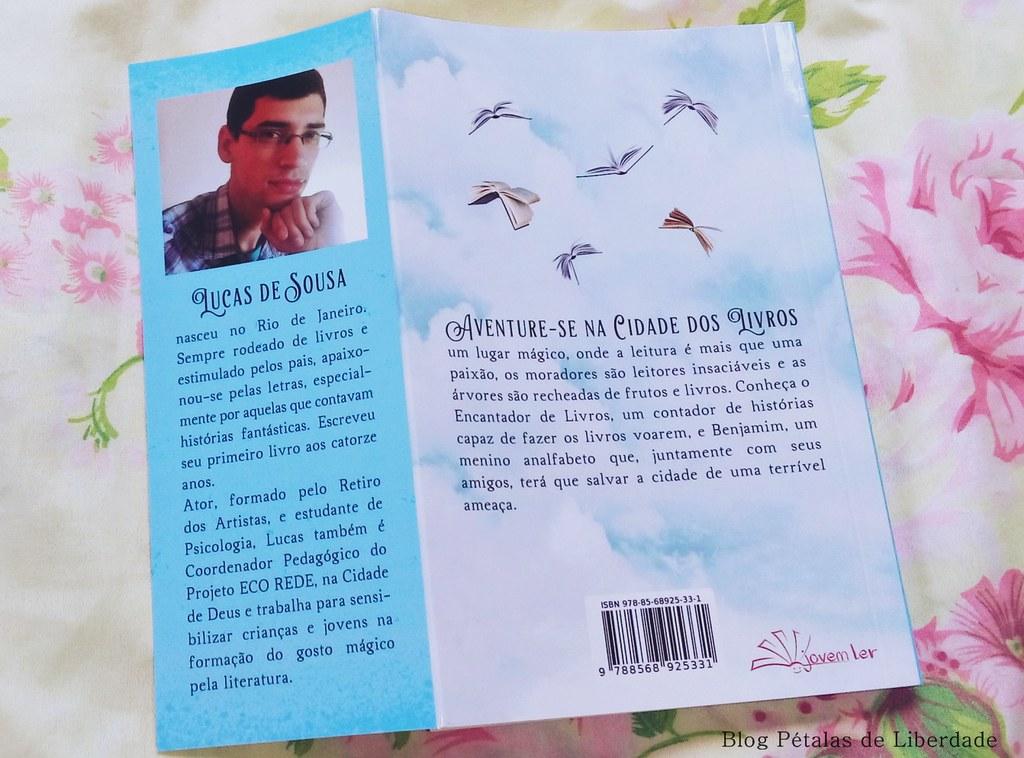 """Entrevista com o autor de """"O encantador de livros"""", Lucas de Sousa"""