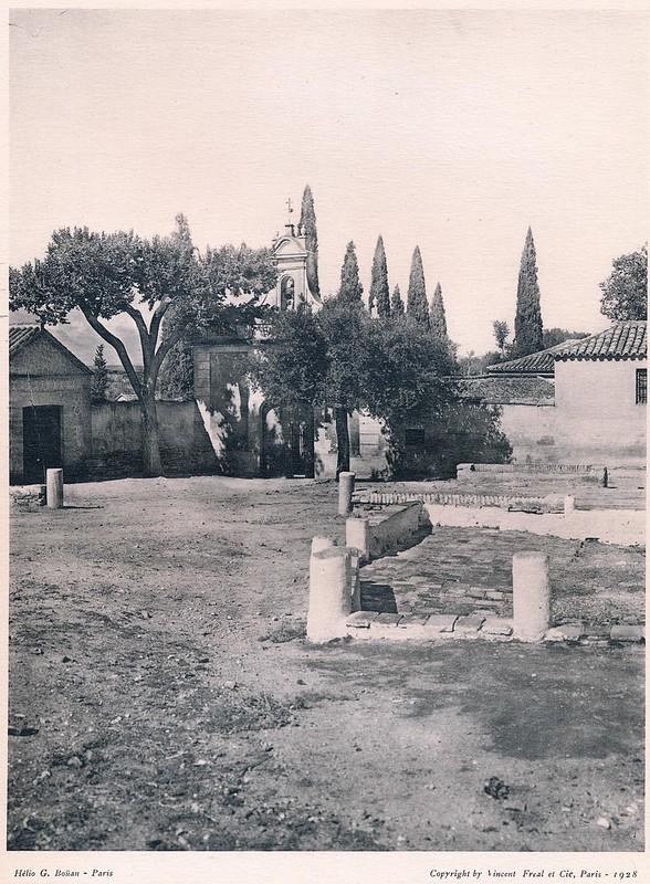 Basílica de Santa Leocadia o del Cristo de la Vega. Del libro Petits Édifices, publicado en Paris en 1928 por los editores Vincent, Fréal et Cie.
