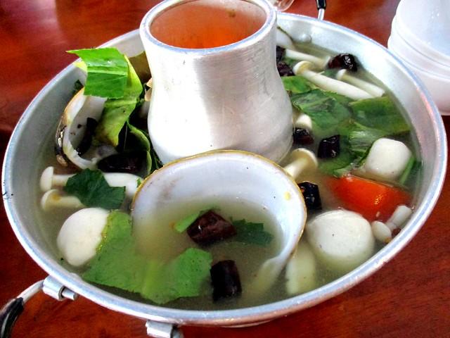 Sakhon tom yam soup